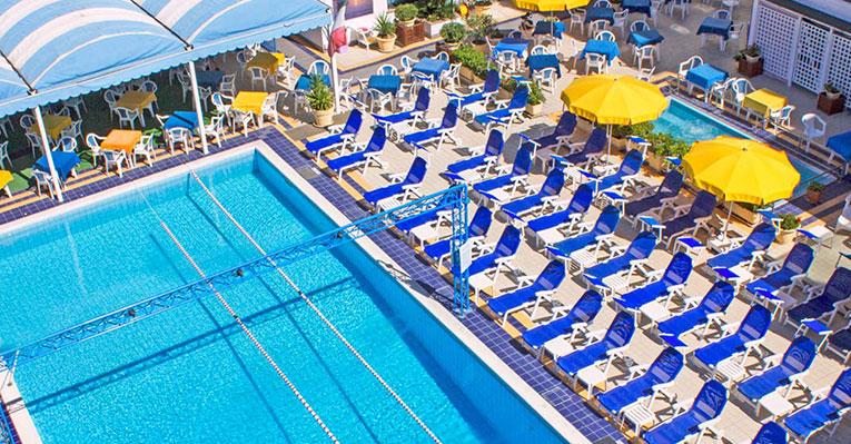 Hotel 3 stelle con piscina per bambini sul mare ad alba adriatica - Hotel con piscina riscaldata per bambini ...